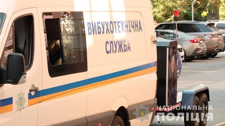 Плоды украинизации: Даже обезьяна с гранатой заговорила по-русски